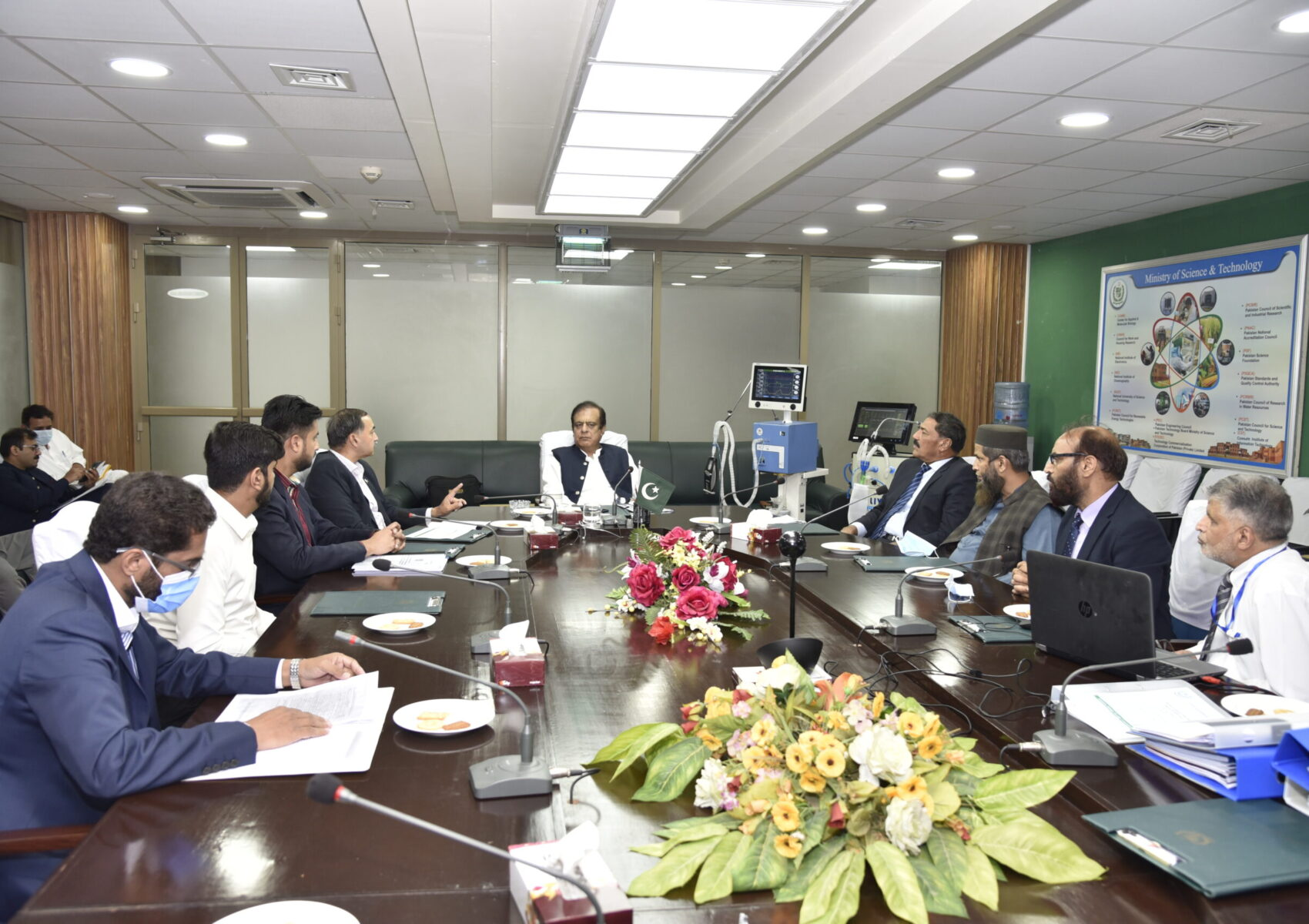 Figure 1: Brig. Tariq Javed(R), Advisor on Innovation, PEC, briefed Shibli Faraz, Federal Minister for Science and Technology, on the status of Pakistan Manufactured Ventilator System (PMVS) Project.